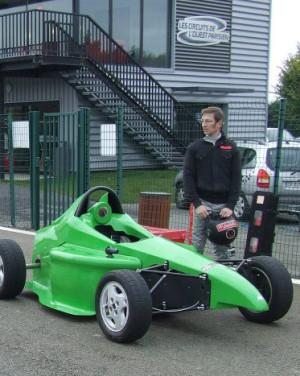 Installation des ateliers Formule A sur le site de La Radio