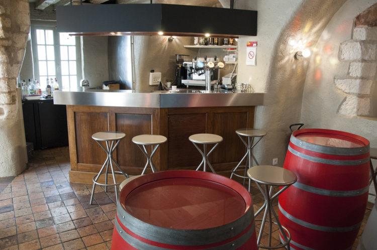 Réouverture du bar La Tourelle, rue Porte Chartraine